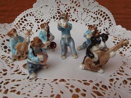 ORCHESTRE ANIMAL CHIEN MUSICIEN DOG MUSIC BAND MINIATURE PORCELAIN MUSIQUE CASE - Varia