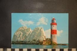 CP, UK, Isle Of Wight IOW Postcard Needles Rocks & Lighthouse - Angleterre
