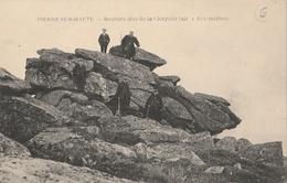CPA Pierre-sur-Haute Rochers Dits De La Chapelle (alt. 1.610 Mètres) - Animée - Andere Gemeenten