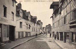 Lisieux - La Rue De Livarot - Lisieux