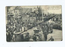 CPA -   Le Lot Pittoresque -   Saint Céré  - M.Poincaré Salue La Foule Qui L'acclame - Saint-Céré
