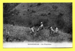 Old Time MADAGASCAR En Filanzane ( Dos Simple Messagerie Maritimes ) - Madagascar
