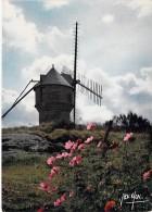 MOULINS A VENT - FRANCE - Windmill Windmühle Windmollen - Moulin Du Diable Sur La Lande ( Vendée ) - CPSM CPM GF - - Moulins à Vent