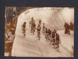 Photo Originale Sport Cyclisme Les Six Jours De Earls Court à Londres En 1967 - Cyclisme