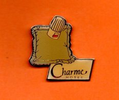 CHARME HOTEL - Pin's
