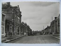 CPSM 02 Le Nouvion-en-Thiérache - Rue Ernest Lavisse - Vue De La Façade De L'Ecole  A Voir ! - France