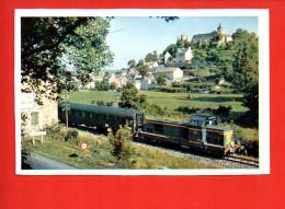 Chemin De Fer - Le Paris -Millau, Près Bertholène - En Tête , Une 040-D.G. - Trains