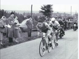 PARIS TOURS Cyclisme Sur Route Albert Bouvet Et Nacimbene - édition Spéciale De La République Du Centre Pour La 100 ème - Radsport