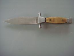Couteaux  Petit Poignard Inox - Knives