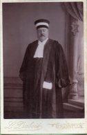 572- Homme De Loi Photographie Léon Dubois à Granville - Métiers