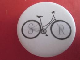 BADGE DE CYCLISTE CYCLISME VELO BYCICLETTE-- SPORT - Cycling