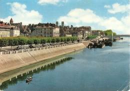 71. CPM. Saône Et Loire. Chalon Sur Saône, Les Quais - Chalon Sur Saone
