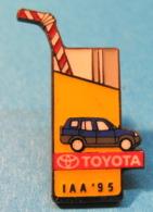 PIN´S TOYOTA IAA . 95 - Toyota