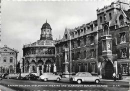 Oxford - Exeter College, Sheldonian Theatre And Clarendon Building - Old Car - Carte Non Circulée - Oxford