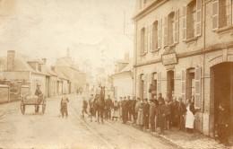 Carte Photo Village  -  Attroupement Devant Le Cafe Restaurant Duval -Tellier - A Identifier
