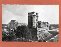 94 VINCENNES--datée 1962---Le Donjon Du Chateau Et La Sainte Chapelle,cpsm Petit Format Animée - Vincennes