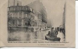 CPA - GRANDE CRUE DE LA SEINE - JANVIER 1910 - PARIS - CARREFOUR AVENUE MONTAIGNE ET RUE FRANCOIS 1er - Alluvioni Del 1910