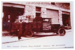 Camionnette  Et Employés De Monsieur Maruis Picquet  Charbon , Limonade, Bière à Bellegarde - Frankrijk