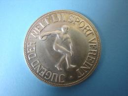 PA. Mo. 71. Jugend Der Welt IM Sport Vereint . Deutscher Sportaler. Argent 900 - Deutschland