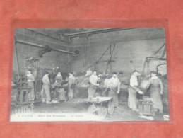 "PARIS    1910 METIER BANQUE   HOTEL DES MONNAIES N°9  ""  LA COULEE ""  EDIT CIRC OUI - Artisanry In Paris"