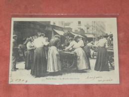 PARIS  VECU    1904  METIER  COMMERCE / LE MARCHE CHARETTE DNS LA RUE   EDIT CIRC OUI - Artisanry In Paris
