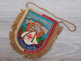FANION 10X11CM. SAPEURS POMPIERS LAGRANDE MOTTE. HERAULT. - Pompiers