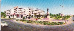 Cpsm Double (format 9 X 21 Cm) Tadjikistan - Douchanbé - Monument à VV Kouïbychev Sur La Place De La Gare - Tadjikistan