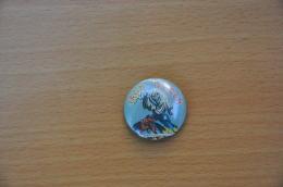 REF Y3  : Badge Ancien Epok 1980 Punk Pop Hard Rock Pin's IRON MAIDEN - Musik