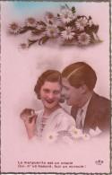 AK Liebespaar Mit Margeriten - Ca. 1910/20 (24326) - Paare