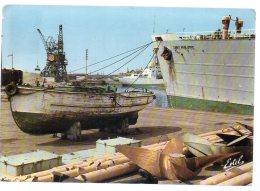 REF 256  : CPSM DUNKERQUE Sur Les Quais - Dunkerque