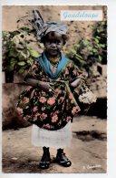 REF 254  : CPSM GUADELOUPE Petite Créole En Costume Local - Autres