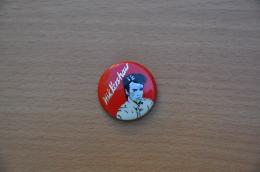 REF Y4  : Badge Ancien Epok 1980 Punk Pop Hard Rock Nik Kershaw - Musica