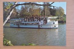 REF 263  : CPSM Bateau LE GOULEBENEZE Croissières Fluivales - Barche