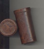 Boîte De Savon à Barbe En Bakélite Cylindrique, Tube  (hh) - Parfums & Beauté