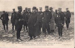 MILLERAND MINISTRE DE LA GUERRE ET LE GENERAL JOFFRE VISITANT LE FRONT DE L´EST - Guerre 1914-18