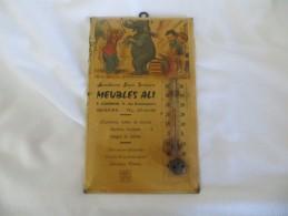 THERMOMETRE PUBLICITAIRE BOURET Germaine - 49 ANGERS MEUBLES ALI  (  Allons,lève Toi Gros Paresseux ) RARE,VOIR SCANS - Unclassified