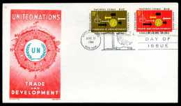 38747) UNO New York - FDC - Michel 140 / 141 - Handel Und Entwicklung - New York - Hoofdkwartier Van De VN