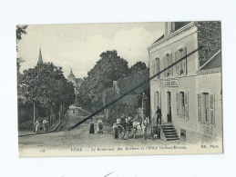 CPA -  Vitre  - Le Boulevard Des Rochers Et L'Hôtel  Desbois-Moreau - Vitre
