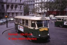 Photographie D´un Ancien Bus TN4Hp Ligne 63 Porte De La Muette Avec Une Publicité Perrier Et Pam Pam à Paris En 1964 - Reproductions