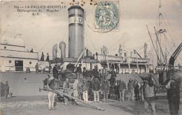 """17-LA PALLICE-ROCHELLE- DECHARGEMENT DU """"MAGELLAN"""" - La Rochelle"""