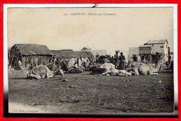 AFRIQUE --  SOMALIE - DJIBOUTI --  Marché Aux Chameaux - Somalie