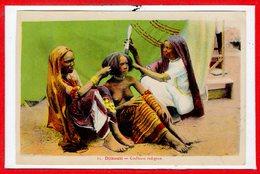 AFRIQUE --  SOMALIE - DJIBOUTI -- Coiffeuse Indigène - Somalie