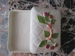 TRES BEAU PLAT MOTIF FLEUR AVEC COUVERCLE - Dishes