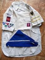Scoutisme - Chemise Officielle Louveteaux 1942 - Complet - Avec Le Foulard Du Groupe 1ere Duguesclin De Bergerac - Scoutisme