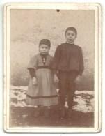 Charente, Pleuville, Enfants De H. Delhuile Instituteur, 1896    (bon Etat)  Dim: 12 X 9. - Orte