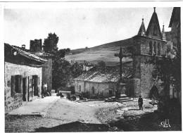 AUTOUR DE VALS LES BAINS SAINT CIRGUES EN MONTAGNE PLACE DE L EGLISE - Vals Les Bains