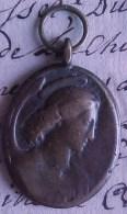 TRES ANCIENNE MEDAILLE RELIGIEUSE EN BRONZE Fin   XVIII ème , Very Old Medal   Recto Verso Prix Fixe - Religion & Esotérisme