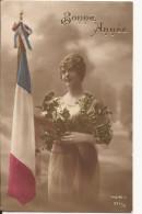 5456. CPA GUERRE 14 18 WW1. BONNE ANNEE. ALLEGORIE ET DRAPEAU. 1916 - Patriotiques