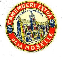 M 978 /  ETIQUETTE DE FROMAGE -  CAMEMBERT   DE LA MOSELLE  FAB. EN LORRAINE - Formaggio