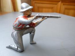 Quiralu - Cow Boy Tireur Au Fusil à Genoux - Quiralu